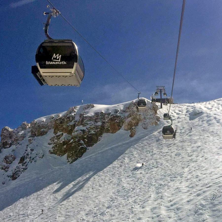 Skiiers below