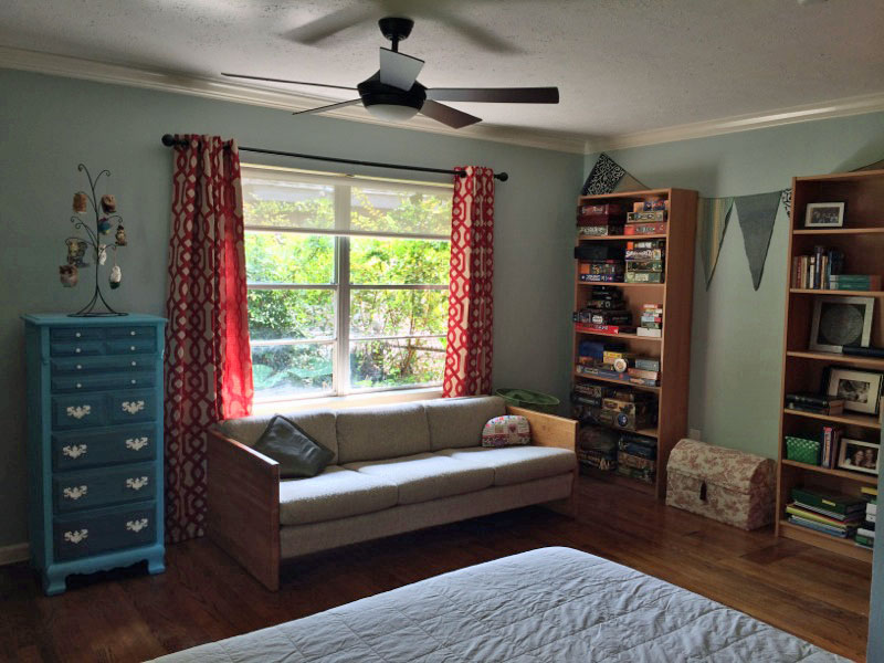 Bedroom complete with reading nook