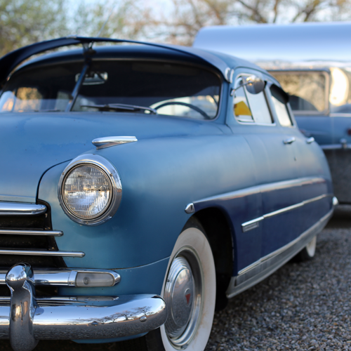 This 1950 Hudson Commodore is matched with a 1954 VaKaShunette